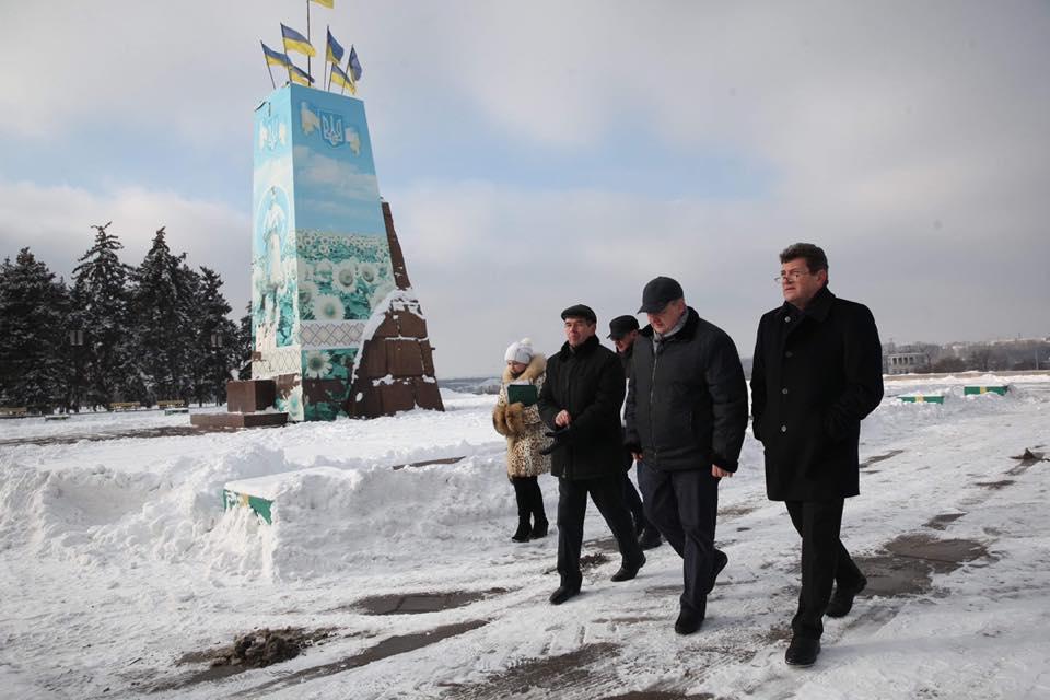 Реконструкция площади Запорожской будет разделена на пять очередей