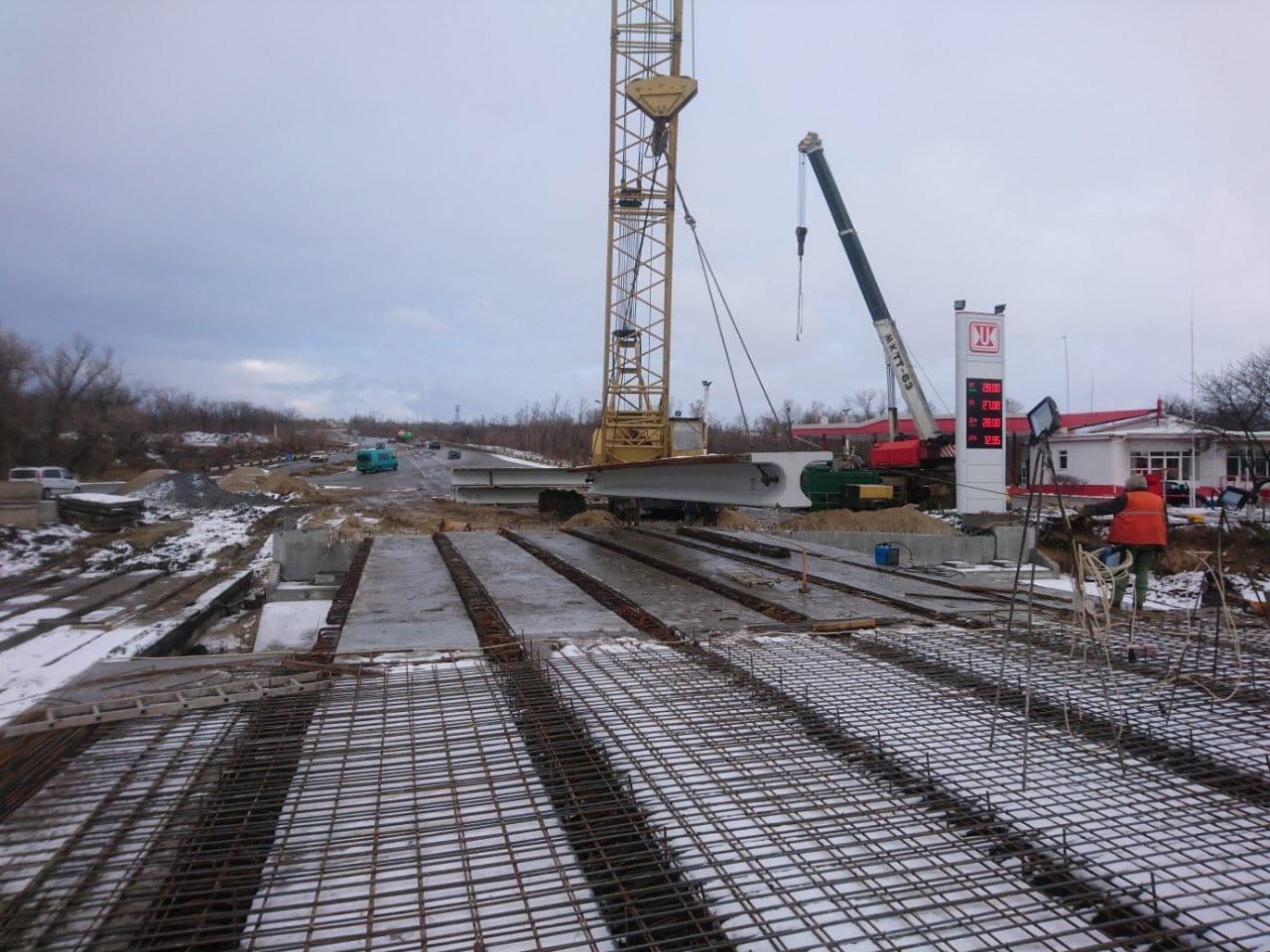 Ремонт моста через реку Сухая Балка на запорожской трассе: завершены основные строительно-монтажные работы - ФОТО