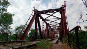 В Запорожской области капитально отремонтировали 115-летний ж/д мост: движение открыто - ФОТО