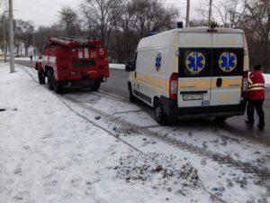 В Запорожье пожилая женщина во время прогулки упала в ручей - ФОТО