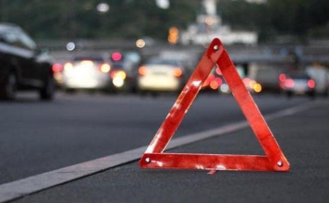 В Запорожье BMW выехал на проезжую часть и столкнулся с «Ланосом»: есть пострадавшие