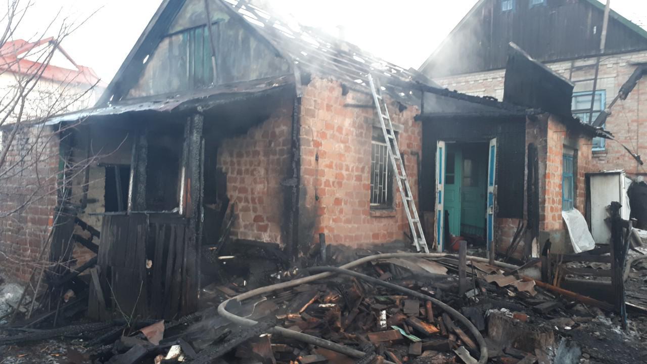 В одном из районов Запорожья горели два частных дома - ФОТО