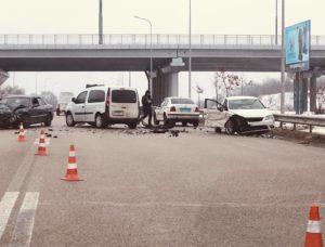 В Запорожье произошло тройное ДТП на Бабурке: трое человек госпитализированы в больницу