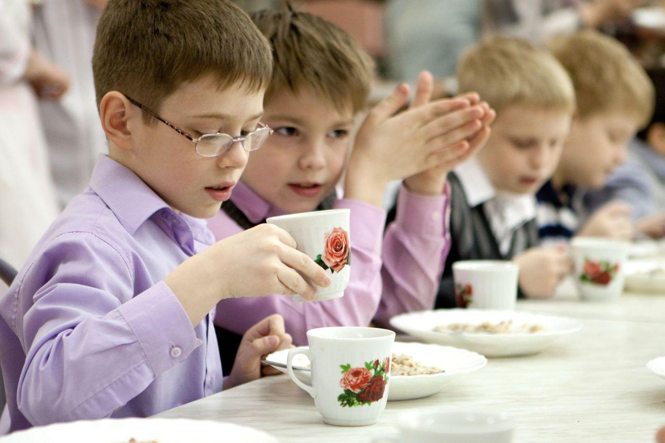 В Запорожье вновь подняли вопрос бесплатного питания для детей младших классов