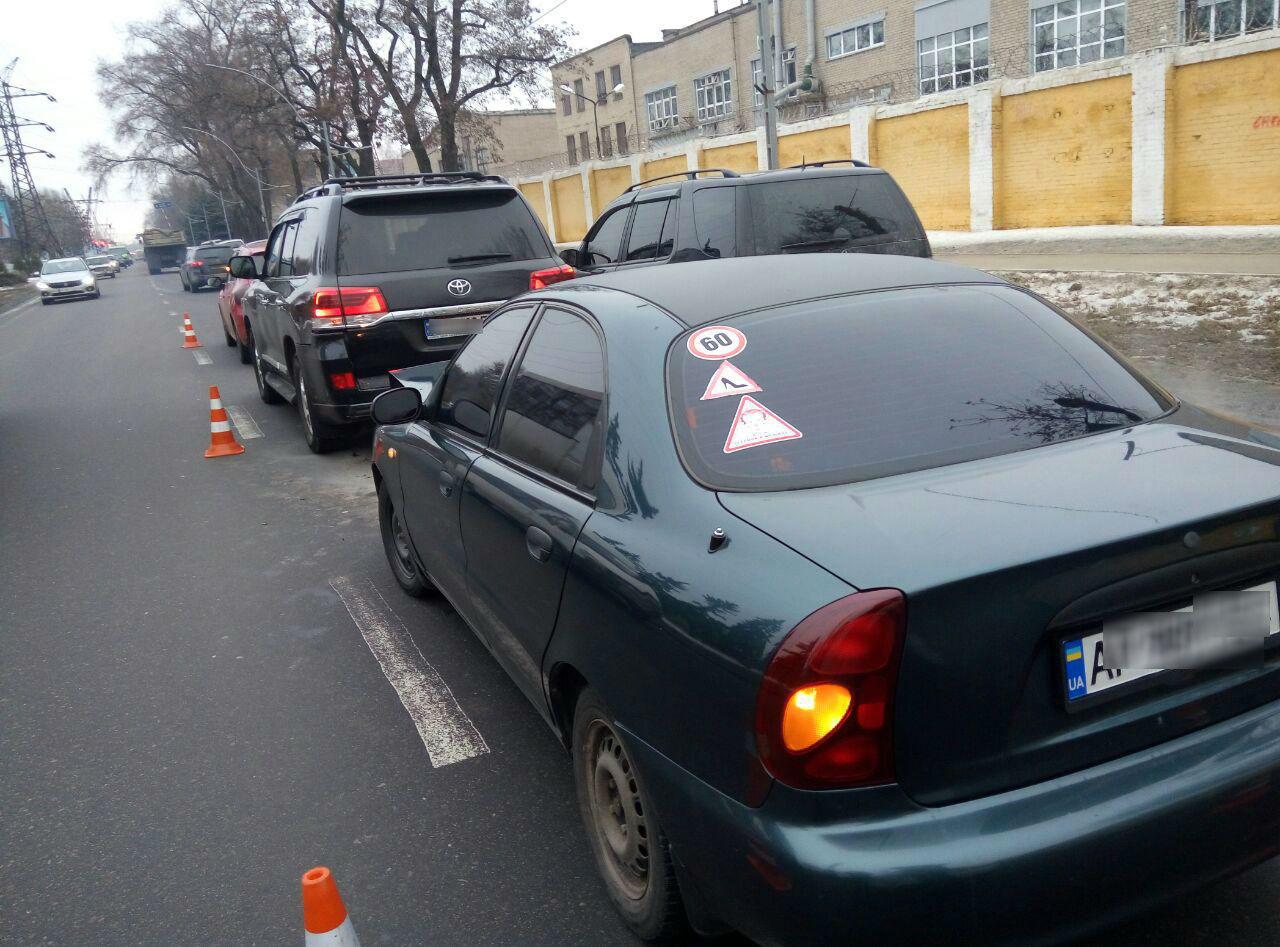 В Шевченковском районе Запорожья утром произошло тройное ДТП - ФОТО