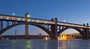 Вниманию запорожцев: из-за ДТП заблокировано движение через мост Преображенского