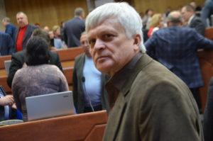 «Поговорить, конечно, можно»: депутат областного совета предложил не давать на сессии слово прокурорам и нардепам