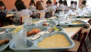 Запорожские депутаты не поддержали петицию по возвращению бесплатного питания для детей младших классов