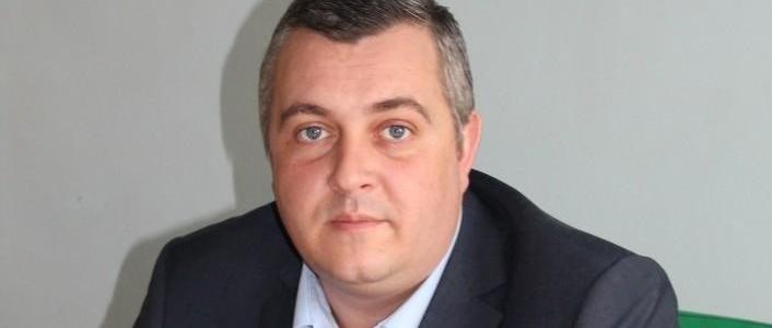 Запорожский депутат и экс-глава РГА заработал на продаже автомобиля более 400 тысяч гривен, хотя купил его почти втрое дешевле