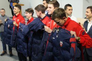 В Запорожье воспитанники школы футбола «Металлург» получили новую форму - ФОТО