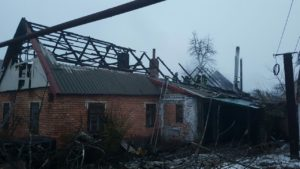 В Запорожской области мужчина неудачно растопил печь и подпалил собственный дом - ФОТО