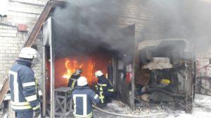В Запорожье произошел пожар в гаражном кооперативе - ФОТО