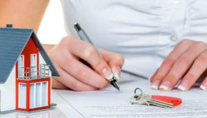 В Запорожье сотрудники КП «Основание» приватизируют служебные квартиры
