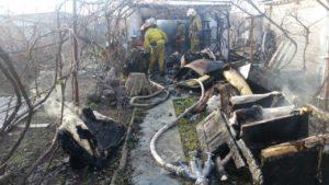 В Запорожской области на территории частного дома горел гараж - ФОТО