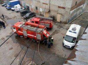 В Запорожье произошел пожар на промпредприятии: есть пострадавшая - ФОТО