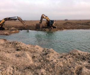 В Запорожской области расчищают промоину между морем и Молочным лиманом - ФОТО