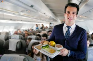 Португальская авиакомпания до конца года полностью откажется от пластика во время полетов