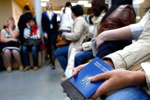 В Запорожье студент-африканец устраивал фиктивные браки для своих знакомых, чтобы легализовать мигрантов