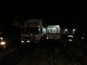 В Запорожье столкнулись грузовик и трамвай - ФОТО