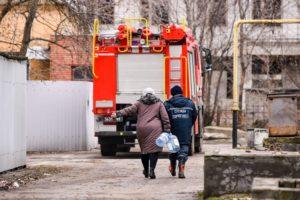 В Запорожской области спасатели организовали подвоз воды населению в связи с аварией на коммунальном коллекторе - ФОТО