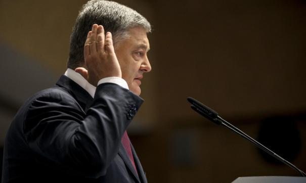 Во время своего визита в Запорожье президент сорвал шапку с женщины, которая задала неудобный вопрос – ВИДЕО