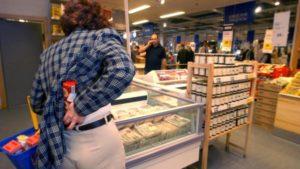 В Запорожье молодой парень украл товары из магазина