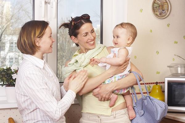 Запорожские семьи могут оформить компенсацию услуги «муниципальная няня»: куда обращаться и какие документы брать
