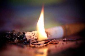В Запорожской области сигарета едва не стоила жизни мужчине