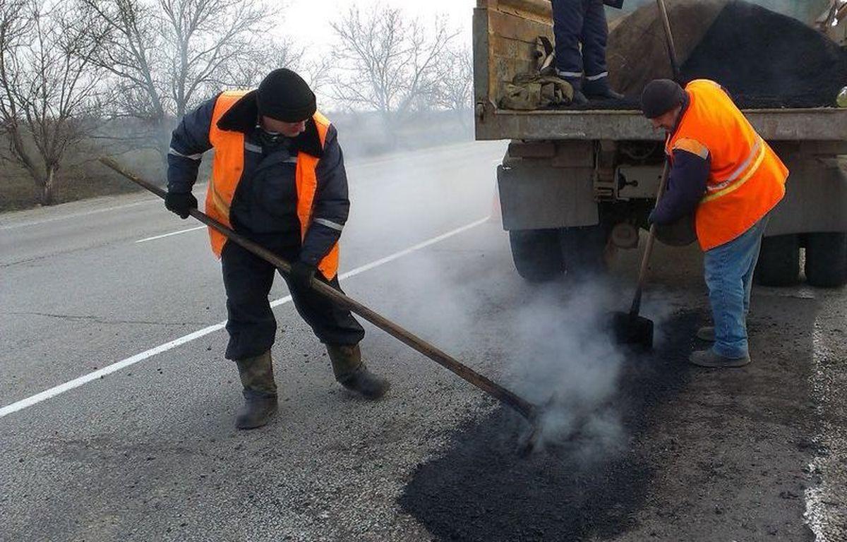В Запорожской области дорожники насчитали 23 тысячи квадратных метров дорог в ямах