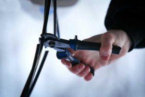В Запорожье полицейские задержали  воров кабельной продукции