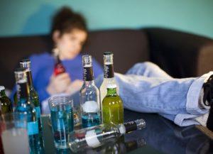 «Забирайте ребенка, мне все равно»: пьяная запорожанка выгнала 10-летнюю дочь ночью на улицу