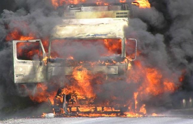 В Запорожской области на автостоянке горел грузовик «MAN»