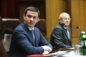 Глава Запорожского областного совета задекларировал 645 тысяч гривен зарплаты и участок земли в Кирилловке