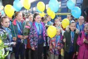 Юные запорожские спортсменки завоевали 35 медалей на международном турнире по аэробике - ФОТО