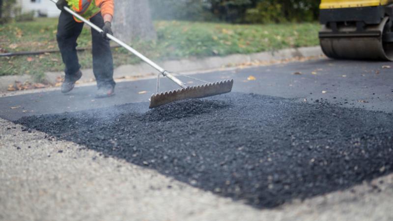На трассах Запорожской области продолжается ямочный ремонт: что сделали за неделю