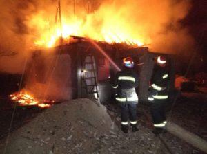 В Запорожской области ночью сгорел дачный дом - ФОТО