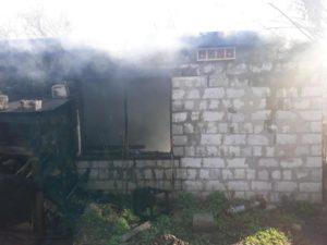 В Запорожье во время пожара пострадал мужчина: его госпитализировали в больницу - ФОТО