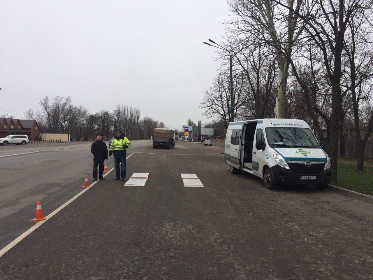 В Запорожской области перегруженные грузовики оштрафовали почти на 11 тысяч евро - ФОТО