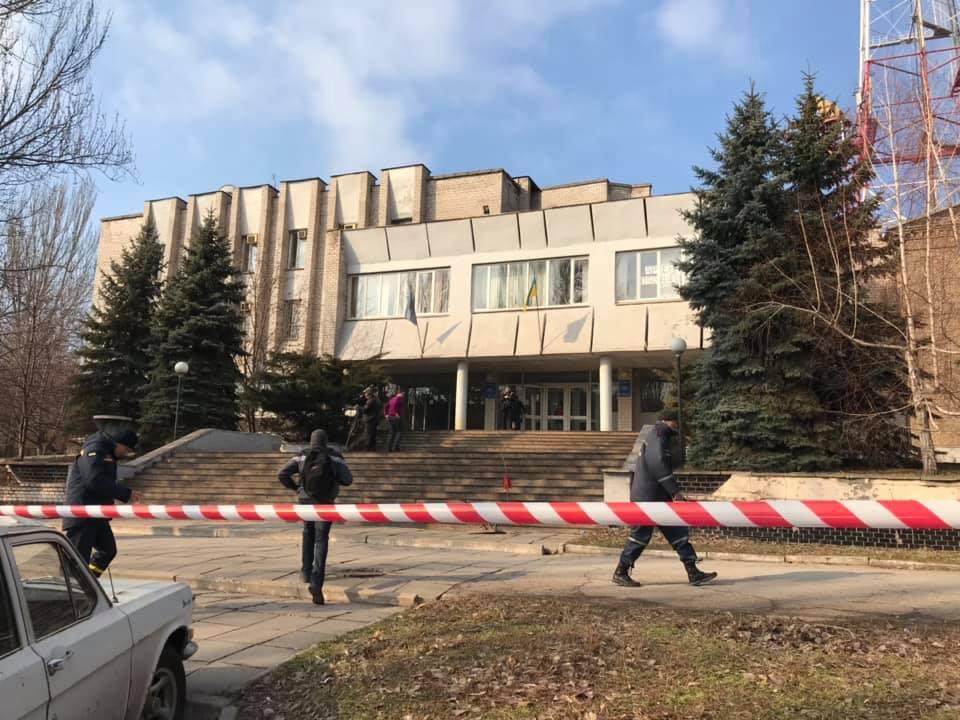 В Запорожье эвакуировали сотрудников одного из телеканалов в рамках проведения спецоперации СБУ - ФОТО