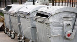 В Запорожье на Бабурке в мусорном баке нашли тело младенца