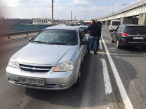 В Запорожье на плотине ДнепроГЭСа столкнулись две легковушки - ФОТО