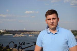 Депутат Запорожского горсовета живет на финансовую помощь от родителей
