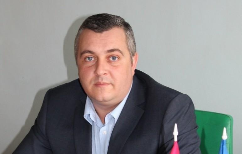 Запорожский депутат и экс-руководитель ритуальной службы за год заработал почти миллион гривен