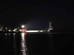 В Бердянском заливе загорелось рыболовецкое судно - ФОТО