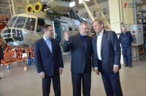 В Запорожье Александр Вилкул ознакомился с производством вертолетов и увидел, как строится новый терминал в аэропорту – ФОТО, ВИДЕО