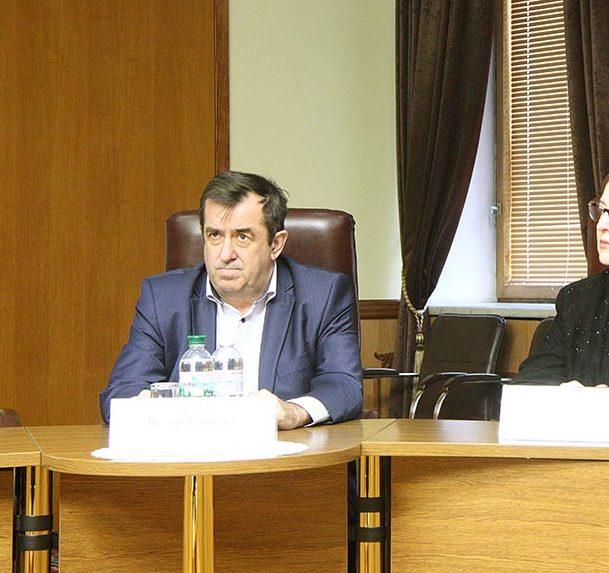 Запорожский депутат-фермер задекларировал 24 земельных участка, LEXSUS и почти два миллиона сбережений