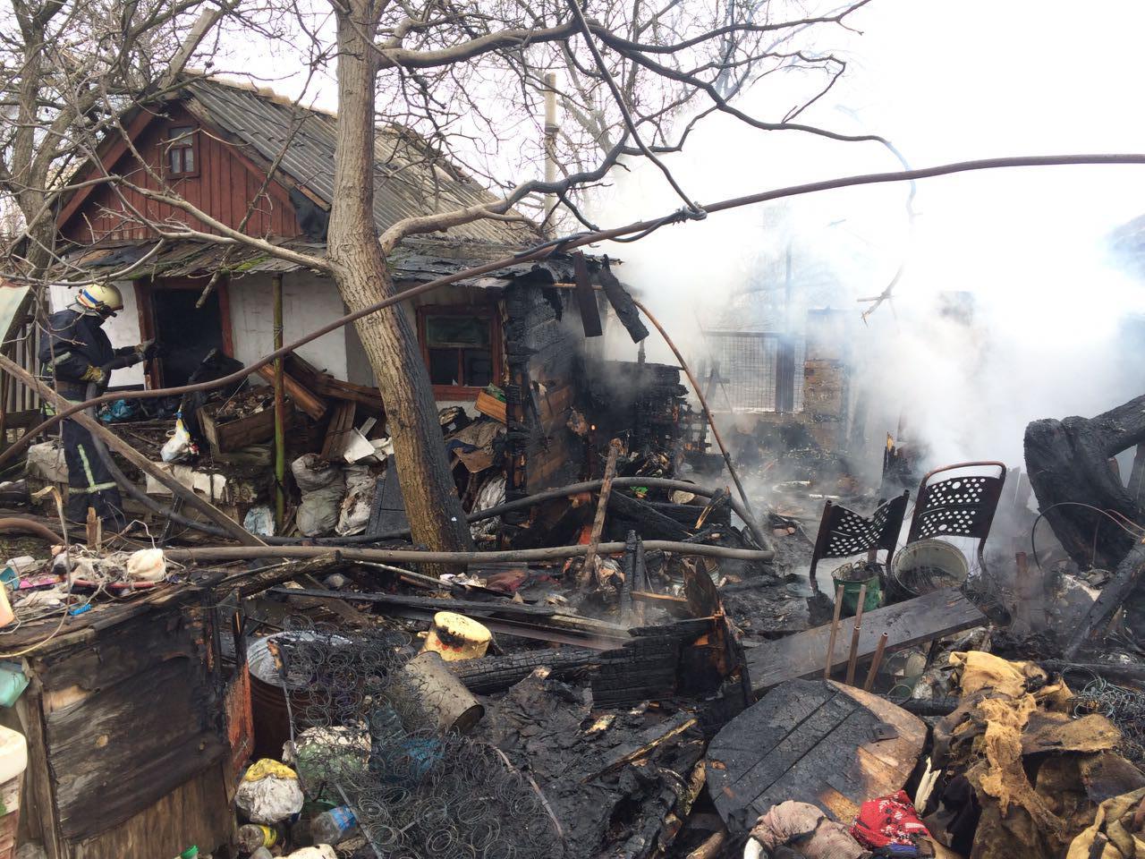 На курорте Запорожской области произошел пожар в жилом доме – ФОТО