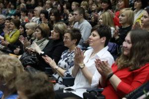В Запорожье наградили лучших учителей области - ФОТО