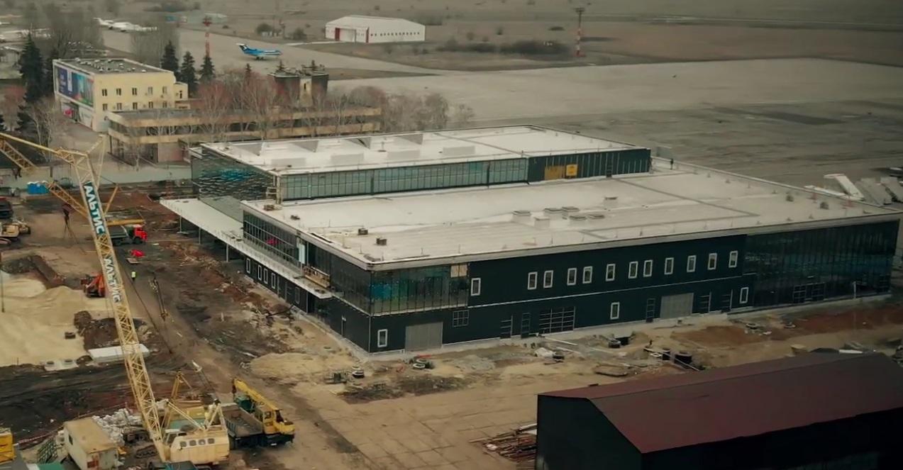 Как выглядит строительство нового терминала в запорожском аэропорту с высоты птичьего полета - ВИДЕО