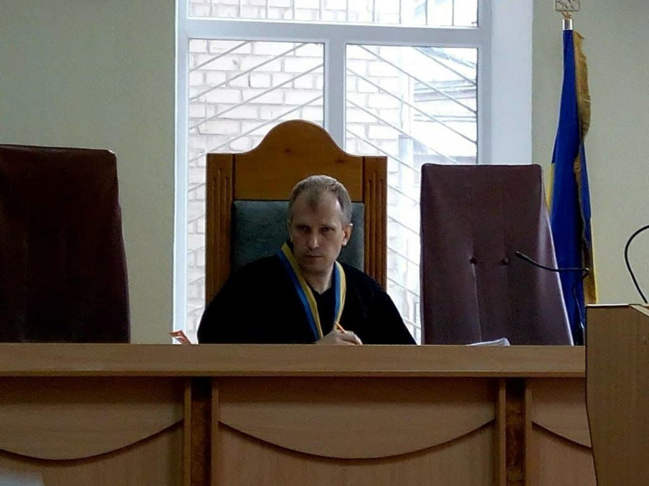 Запорожский суд объявил обвинительный акт в отношении судьи по делу о вымогательстве 15 тысяч долларов